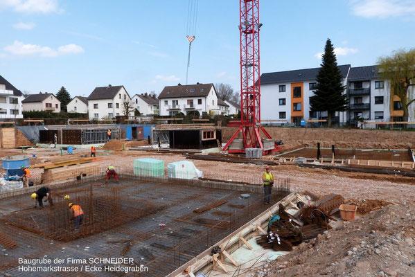 Baugrube auf dem Gelände der Firma Schneider