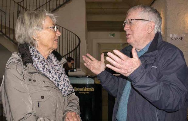 Friderun Heil vom Photo-Cirkel im Gespräch mit John Childs