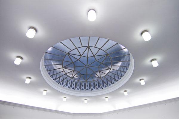 Reinhold Pfeufer - Med Foyer