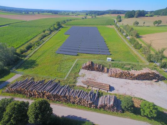 Holzlagerplatz/ ökologische Stromerzeugung mit Phovoltaikanlagen