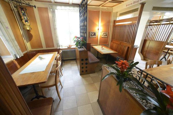 Gaststube mit Zugang zu Sääli