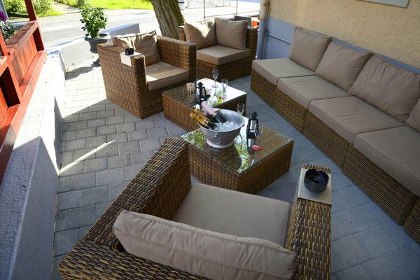 Lounge aussen für gemütliches Verweilen im Freien