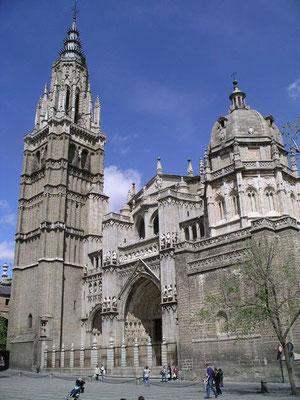 Kathedralturm (l.) und Kuppelbau von Grecos Sohn Manuel Theotocopuli rechts