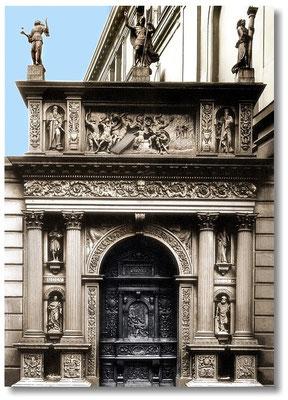 Adultera-Schnitzwerk, Eichenholztür des Goldnen Tores der Residenz Dresden 1539