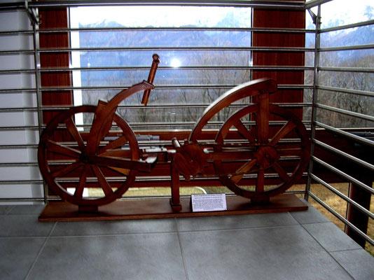 """ricostruzione bicicletta """"Leonardo"""" museo Ghisallo"""