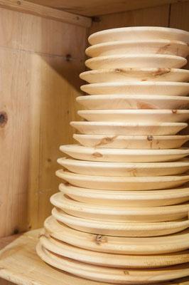 Teller aus Zirbenholz