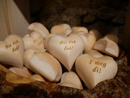 Zirben-Herz mit Gravur auch individuell möglich!!