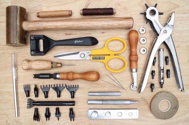 Les outils indispensables du maroquinier
