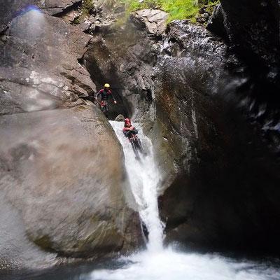 canyoning canyonisme à briançon serre chevalier dans les hautes alpes activité été