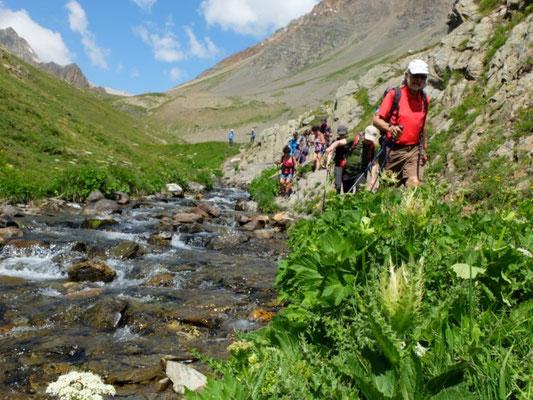 randonnée à briançon, hautes alpes, lac d'altitude