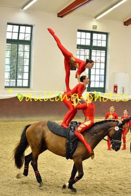 Juniorteam VFZ-Mainz-Ebersheim II; LV: Rheinland-Pfalz; Pferd: Celebration; Longe: Alexandra Dietrich