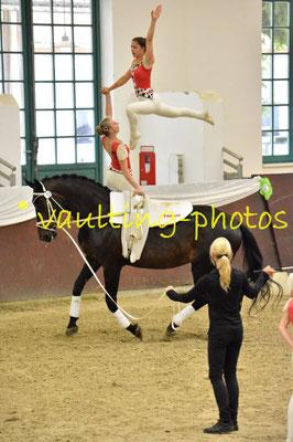 Juniorteam Köngen I; LV: Baden-Württemberg; Pferd: Gwyneth 9; Longe: Carola Reutter