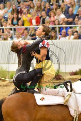 Mara Marschall/Jasmin Glahn; LV: Rheinland-Pfalz; Pferd: Nabucco 97; Longe: Jürgen Köhler