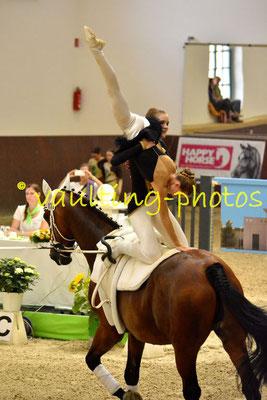 Josephine Wrobel/Julia Grez; LV: Hessen; Longe: Michaela Kittel; Pferd: Corporaal