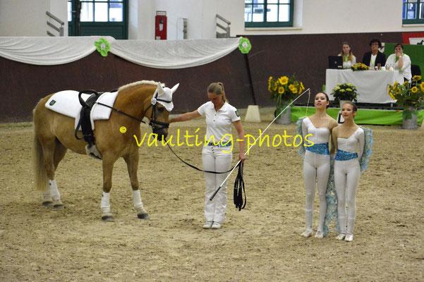 Diana Rockensüß/Emilia Manheller; LV: Rheinland; Longe: Barbara Hirsch; Pferd: Bob