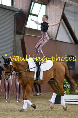 Fredenbeck I; LV: Hannover; Pferd: Wizaro; Longe: Gesa Bühring