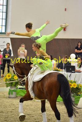 Katharina von Eynern/Philine Lindhorst; LV: Hamburg; Longe: Veerle Schlüter; Pferd: Mr. Luis v.d. Itzehoer