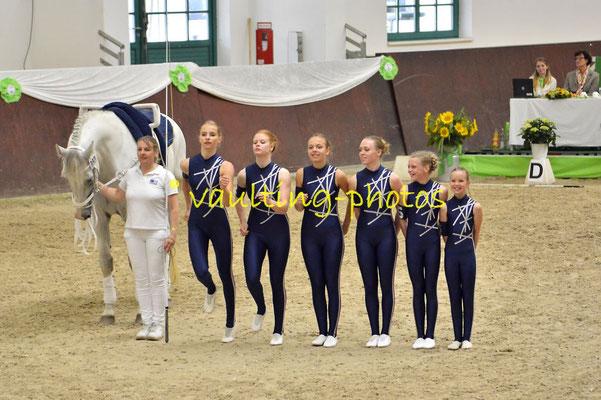 Juniorteam Hoisbüttel; LV: Schleswig-Holstein; Pferd: Andersen; Longe: Ruth Jückstock