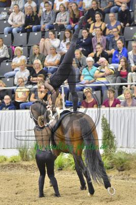 Farina Stockreiter/Louisa Bertka; LV: Weser-Ems; Pferd: Da Vinci 135; Longe: Michaela Meyer gen.Potthoff