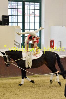 Juniorteam I Köngen; LV: Baden-Württemberg; Pferd: Gwyneth 9; Longe: Carola Reutter