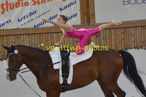 Stahnsdorf I; Pferd: Bonqueur; Longe: Marion Nowotnick