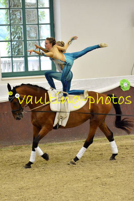 Ella Schneider/Annemie Szemes; LV: Bayern; Longe: Dagnar Szemes; Pferd: Geraldine