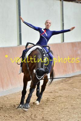 Weimar II; LV: Thüringen; Pferd: Aron; Longe: Nadia Geyersbach