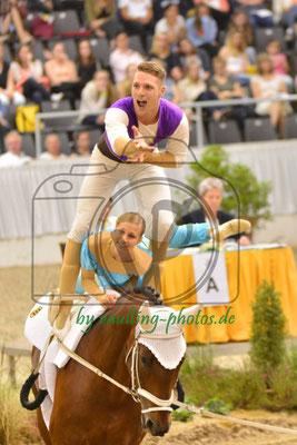 Michael Walker/Nadja Wiesenberg; LV: Baden-Württemberg; Pferd: Rockford 26; Longe: Nicole Wahl