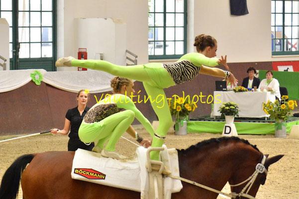 Katharina von Eynern/Philine Lindhorst; LV: Hamburg; Longe: Veerle Schlüter; Pferd: MR: Luis v.d. Itzehoer