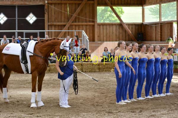 Molzbach III; LV: Hessen; Pferd: Gustav; Longe: Isabell Baier