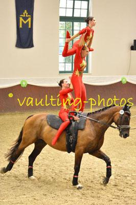 Juniorteam MVZ-Mainz-Ebersheim II; LV: Rheinland-Pfalz; Pferd: Celebration; Longe: Alexandra Dietrich