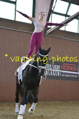 Juniorteam Brakel I; LV: Westfalen; Pferd: Dorian Gray; Longe: Anna Brinkmann