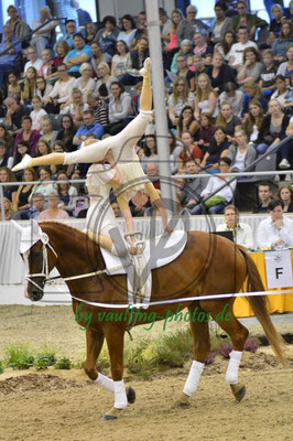 Lena Spindler/Nidine Renken; LV: Bremen; Pferd: Lennox; Longe: Nina Storm