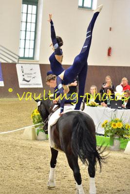Juniorteam Büren I; LV: Westfalen; Pferd: Cabajano; Longe: Alexandra Blauschek