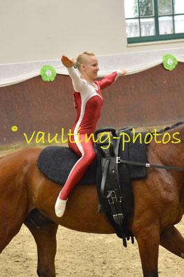 Juniorteam Leonberg; LV: Baden-Württemberg; Pferd: Gladstone; Longe: Sabrina Piechullik
