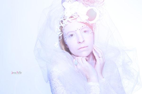 Model: Noëmi / Fotograf: Janine Küffer Photography / MuA: JustB Makeup by Ute Burkhardt