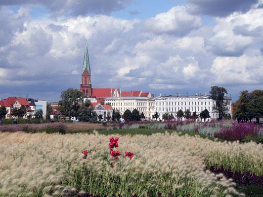 Schwerin - View at the Old Garden
