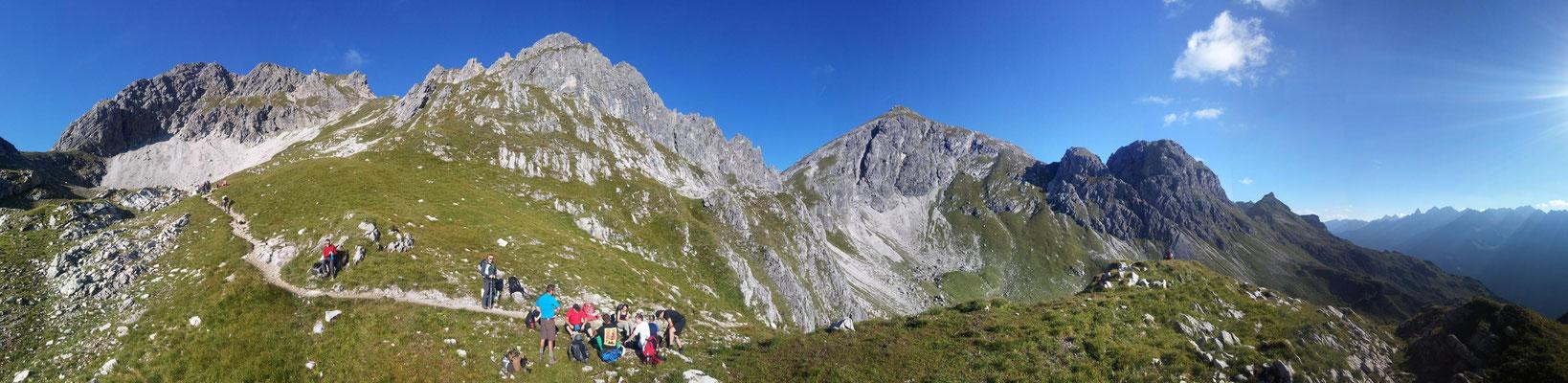 Bergpanorama oberhalb der Mindelheimer Hütte