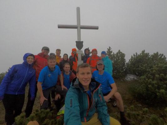 Endlich haben wirs geschafft: Foto mit Gipfelkreuz der Benzingspitze