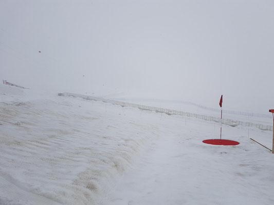 Golf auf über 3000m: Wahnsinn am Jungfraujoch....