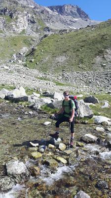 Aufstieg zur Rothornhütte auf Plateau vor Moräne-2600m