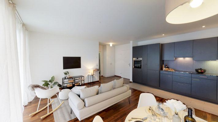 Moderne Küche mit Granitabdeckung, Glaskeramikherd, Geschirrspüler, Backofen auf Augenhöhe, 274 Liter Kühlschrank