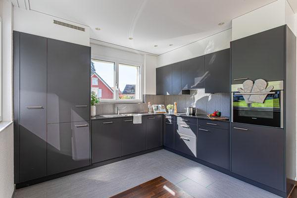 Moderne, funktionale Küche