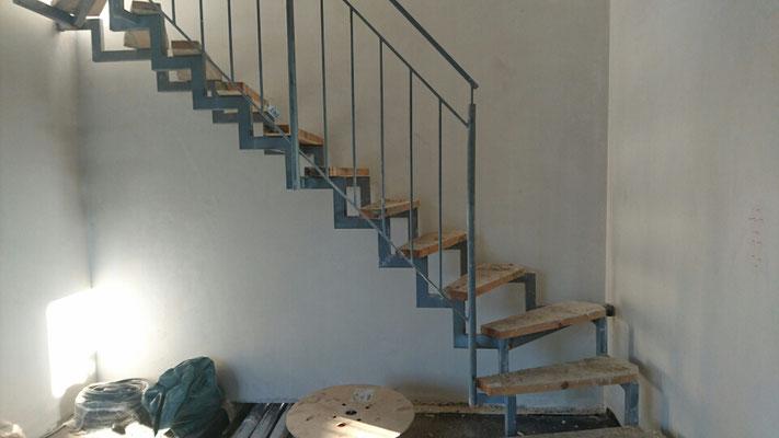 EG Treppe nach oben