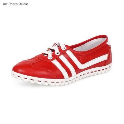 каталожная съемка товаров - спортивные женские туфли
