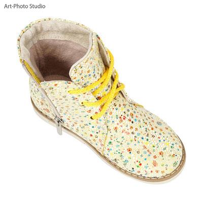 женский осенний ботинок - фотосъемка для LaModa