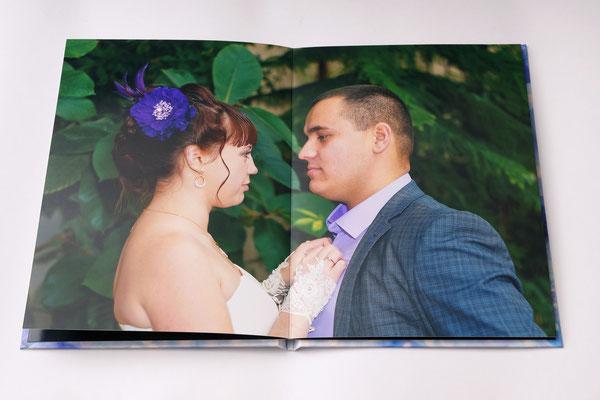 фото во весь разворот свадебной фотокниги