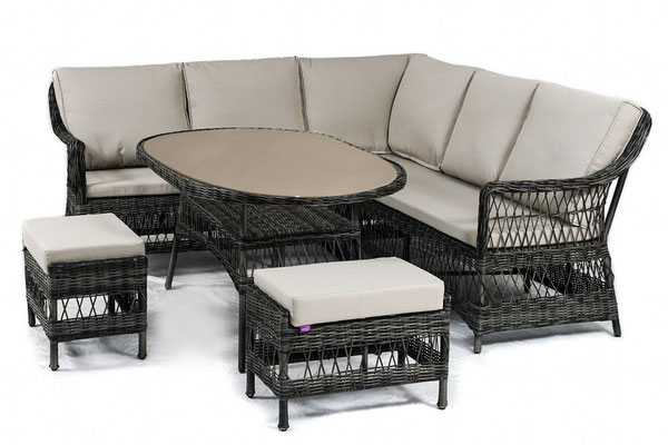 набор плетеной мебели- диван, пуфики и стол