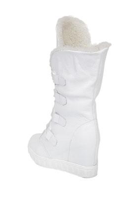 предметная фотосъемка белой обуви для каталога в Харькове