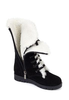 предметная съемка зимней обуви для каталога в Харькове